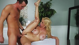 Mother in Law s Massage -Alexis Fawx 1920x1080 4000k