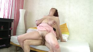 Mature with huge boobs, hard riding in home XXX