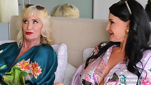 There verge upon with Leah L'Amour and Rita Daniels - 60PlusMilfs
