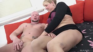 Non-professional mature blondie Babsi spreads her legs to ride a fat dick