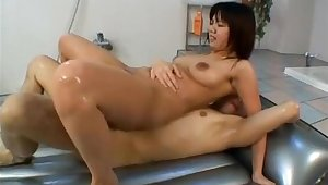 Japanese milf is an amazing hot babe
